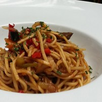 Noodles salteados con verduritas