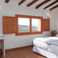 Clos Figueres Suite